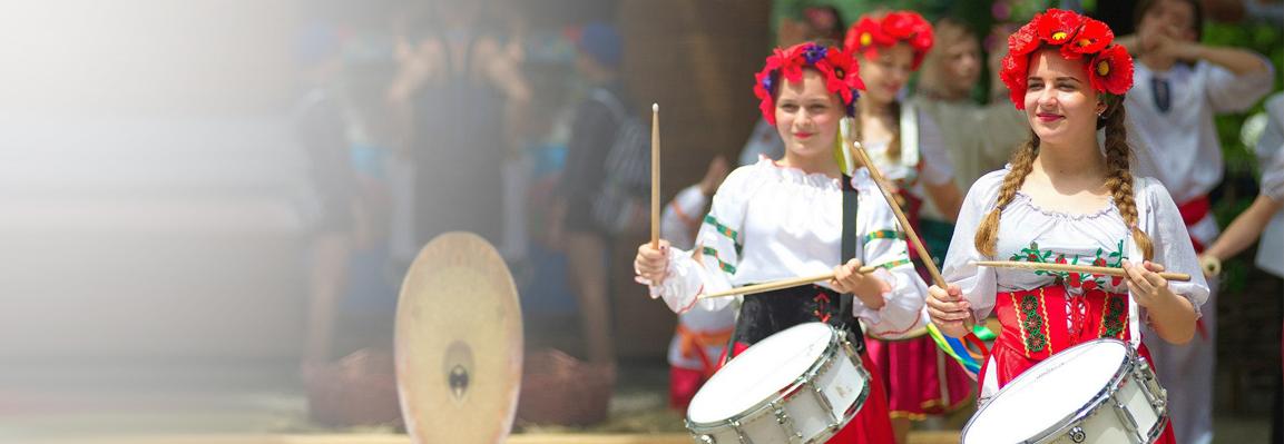 Зеленые святки в Фельдман Экопарк отметили семейными мастер-классами и большим концертом